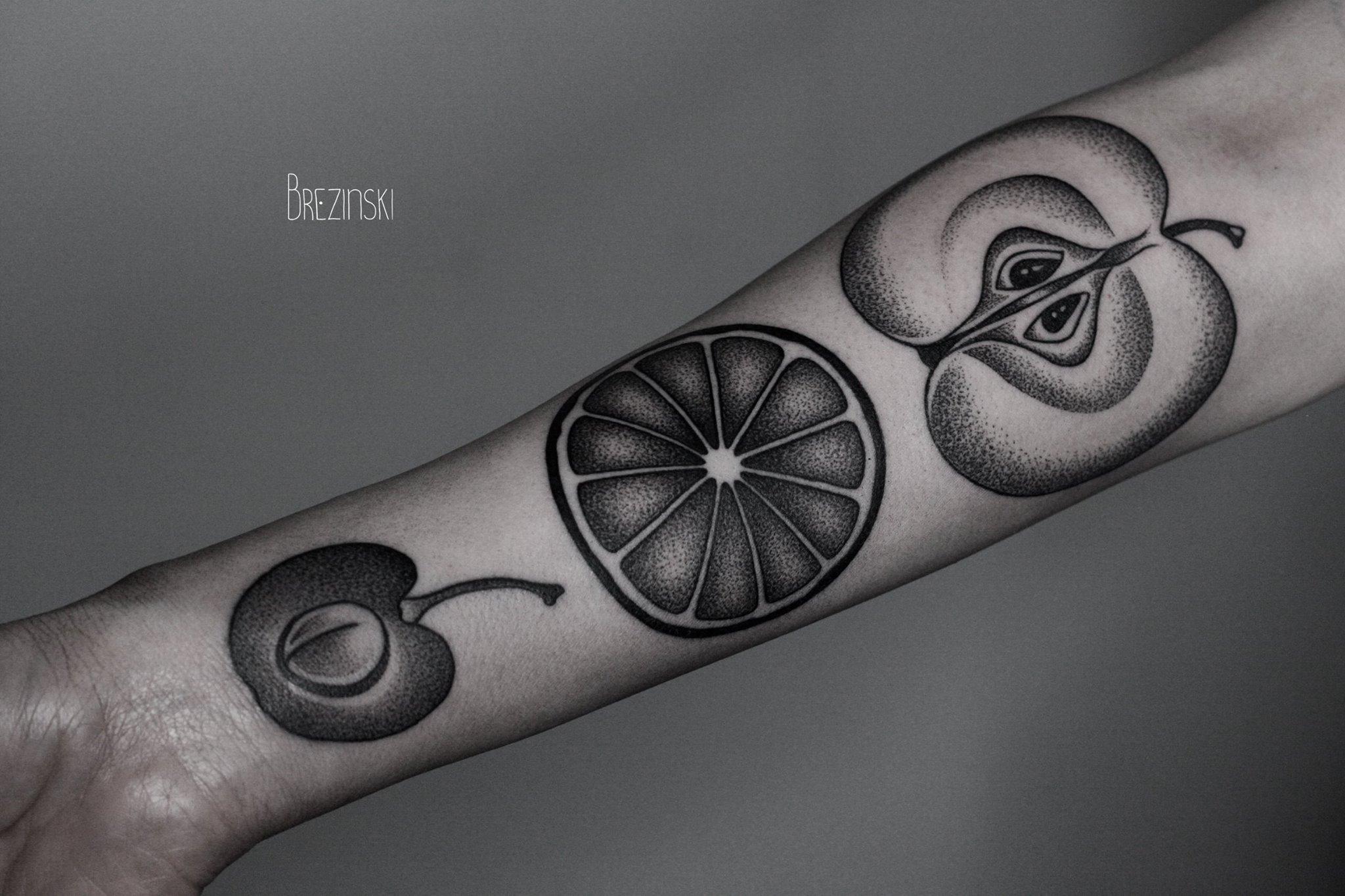 Ilya BREZINSKI Toe Loop Tattooing - Surreal black ink tattoos by ilya brezinski